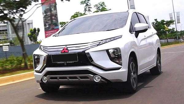 Mitsubishi вивела на тести новий крос-вен Delica 2019