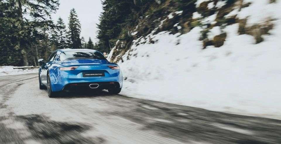 Спроткар Alpine A110 отримає «заряджену» 300-сильну версію
