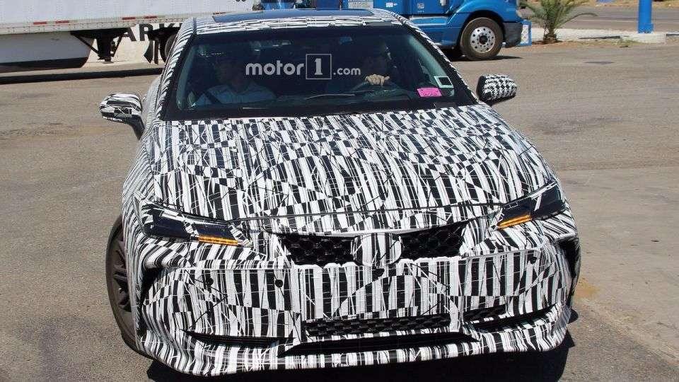 Новий флагманський седан Avalon Toyota представить в січні 2018 року