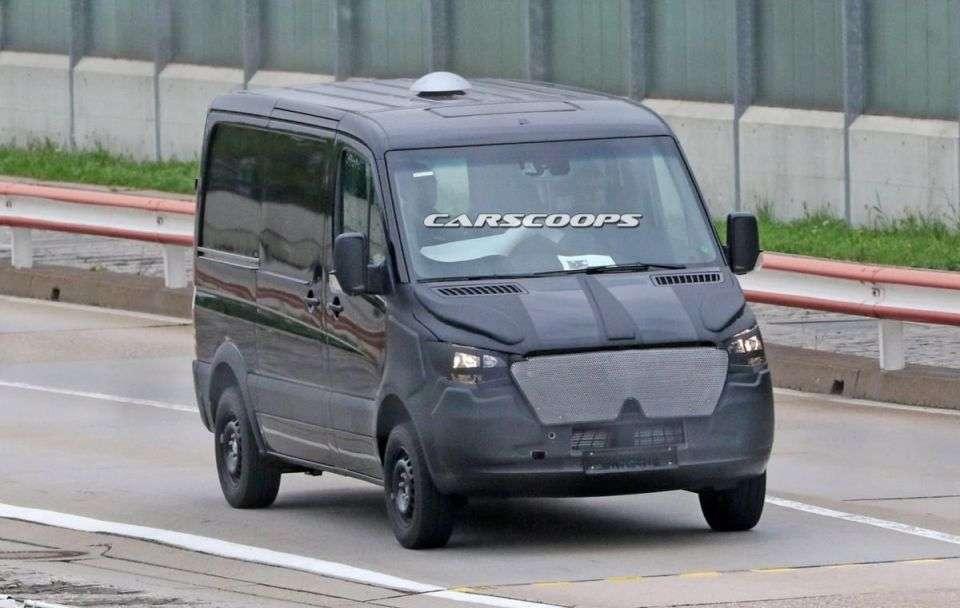 Компанія Mercedes розсекретила салон нового покоління Sprinter