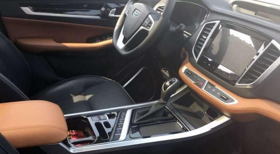 Geely Emgrand X7 нового покоління викотили на дорожні тести