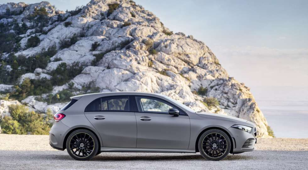 Хетчбек Mercedes A-Class нової генерації представлений офіційно