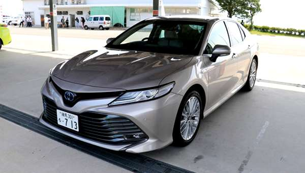 Бізнес-седан Toyota Camry 2018 надійде в продаж в листопаді