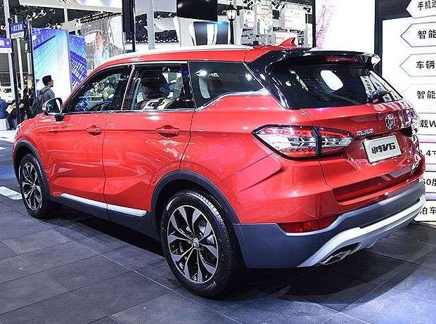 Brilliance в Гуанчжоу представила новий кросовер Brilliance V6