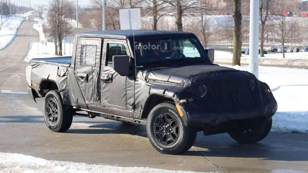 Новий пікап Jeep Scrambler помічений під час тестів