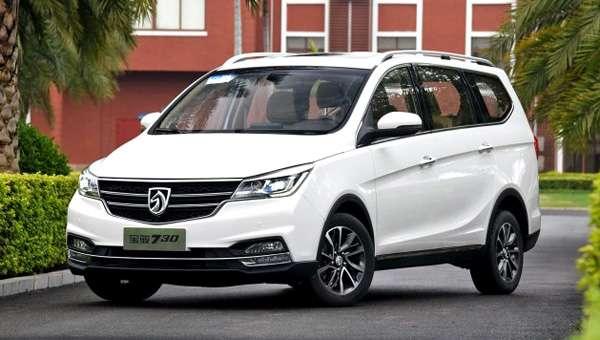 Названа дата початку продажів оновленого мінівена Baojun 730