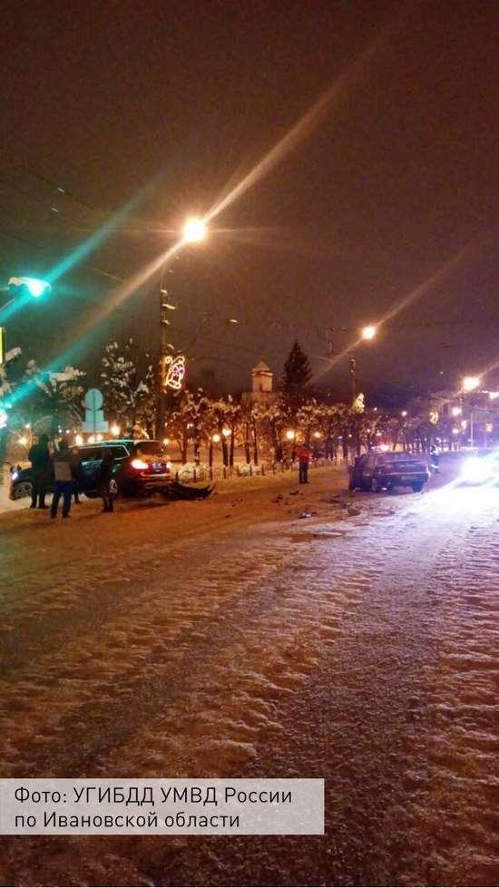 20-річний мажор на «Мерседес» протаранив «Деу» на «зустрічці» в Іваново