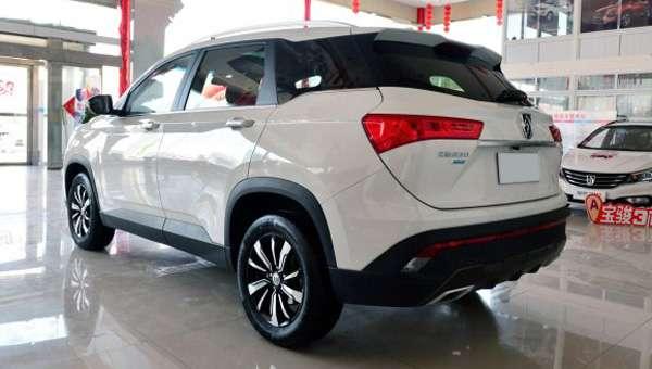Стала відома вартість нового кросовера Baojun 530 для Китаю