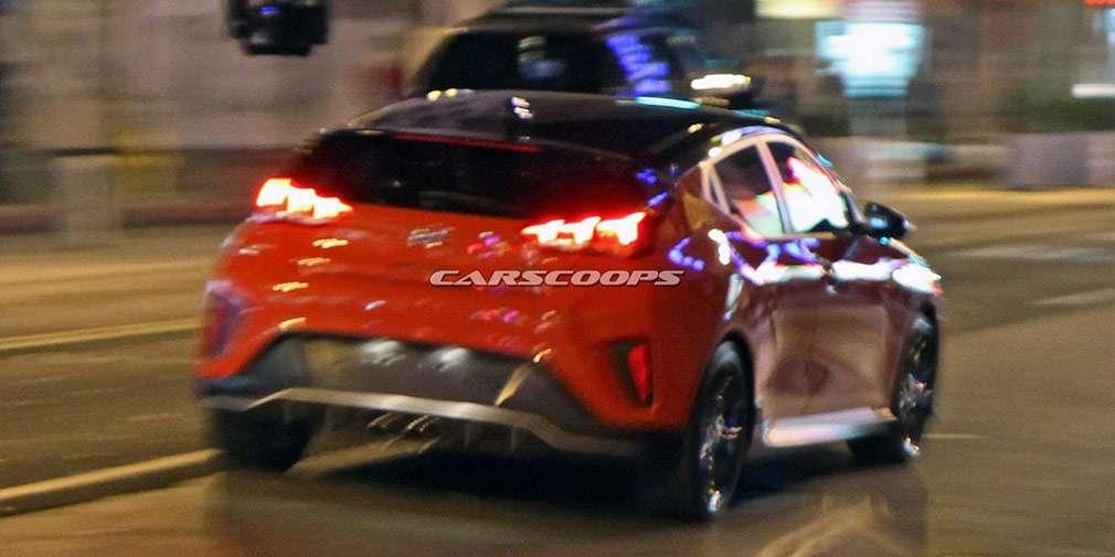 Зовнішність нового хетчбека Hyundai Veloster розсекречена до премєри