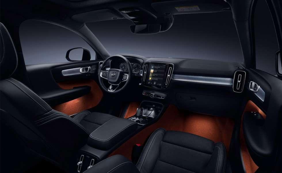 У Volvo назвали терміни початку продажів в Росії нового Volvo XC40