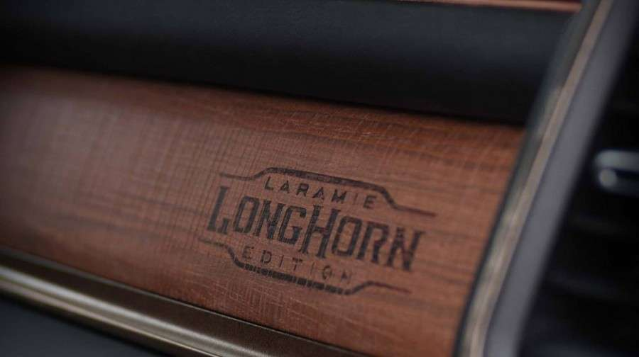 Пікап Ram 1500 2019 отримав нову розкішну версію Laramie Longhorn