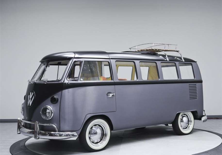 Хиппибас Volkswagen T1 перетворили на машину з «Назад в майбутнє»