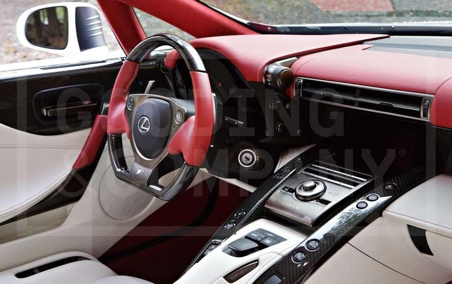 Унікальний суперкар Lexus LFA без пробігу продадуть на аукціоні
