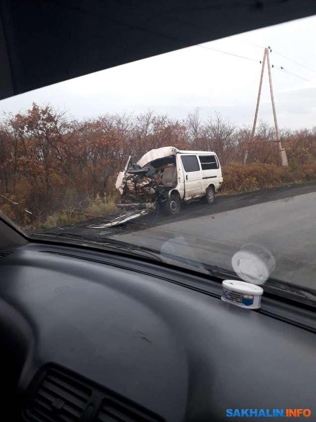 Водій мікроавтобуса загинув у ДТП з вантажівкою в Долинському районі