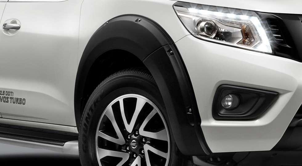 Nissan представила особливу версію пікапа Navara Black Series