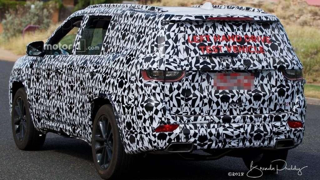 Новий позашляховик Jeep Wagoneer «засвітився» на шпигунських фото