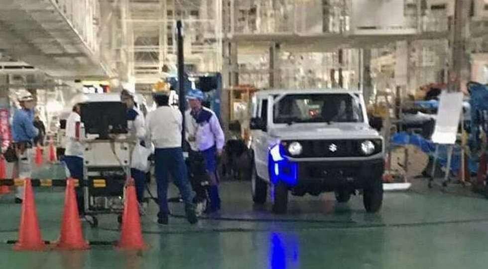 Позашляховик Suzuki Jimny нового покоління сфотографували на заводі