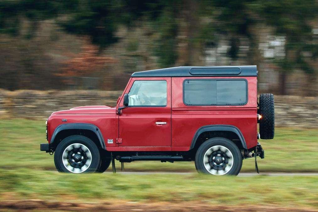 Land Rover випустить найшвидший «Дефендер»