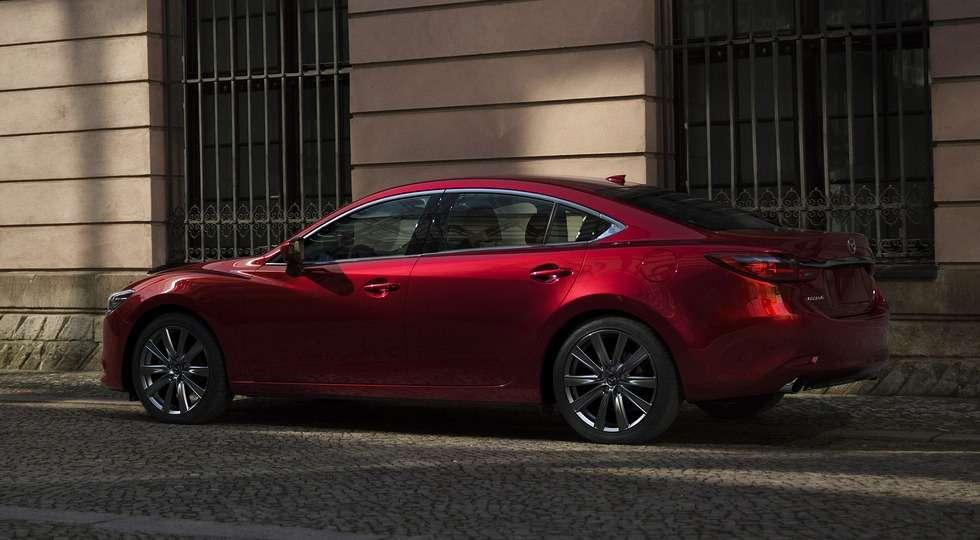 Mazda в Лос-Анджелесі представила оновлений седан Mazda 6