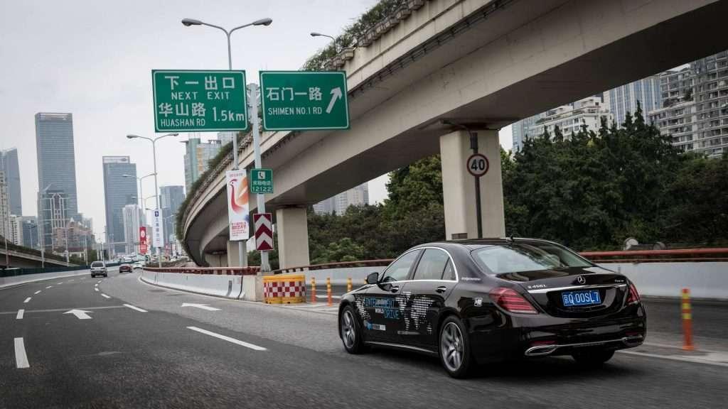 Mercedes-Benz почав тести безпілотного Mercedes-Benz S‑Class в Шанхаї