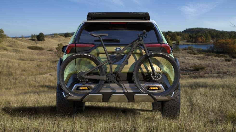 Toyota представила позашляховик Toyota FT-AC зі знімними фарами